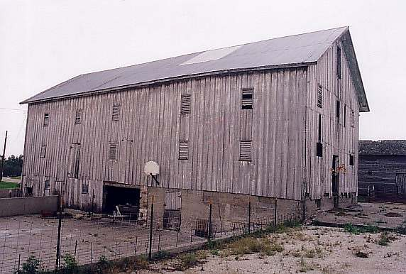 Strabala Barn, before restoration.