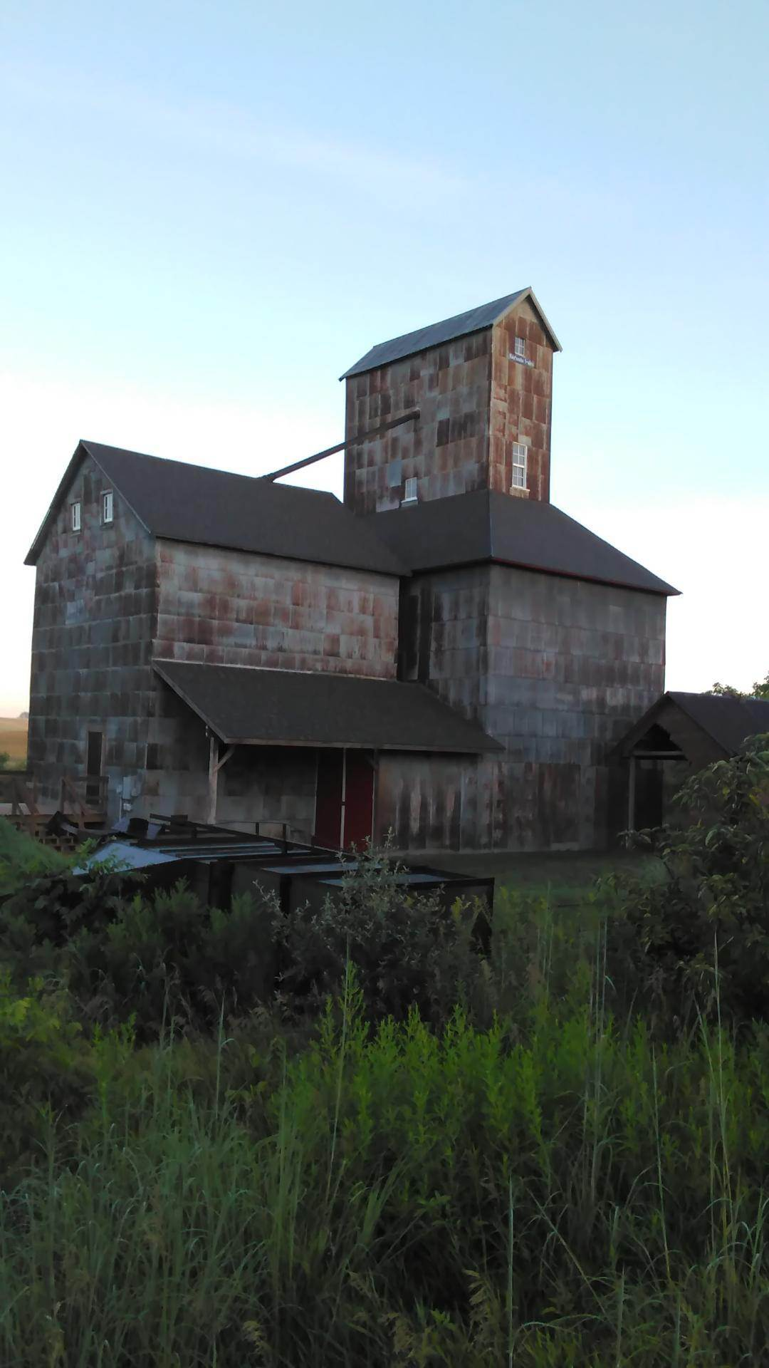 Ross Grain Elevator In Iowa Barn Foundation Magazine